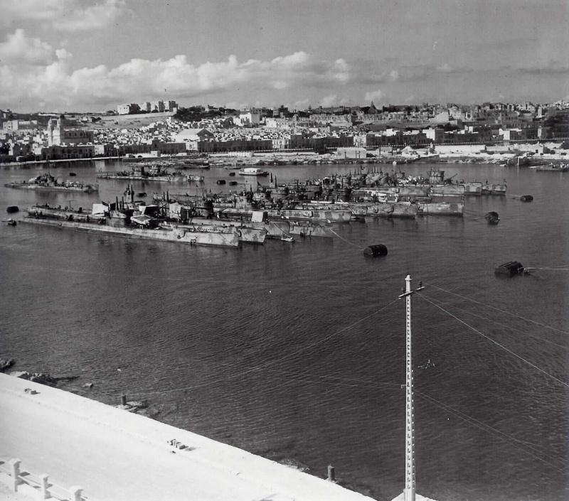 8 septembre 1943,la flotte italienne se rend aux Alliés 1944_s12