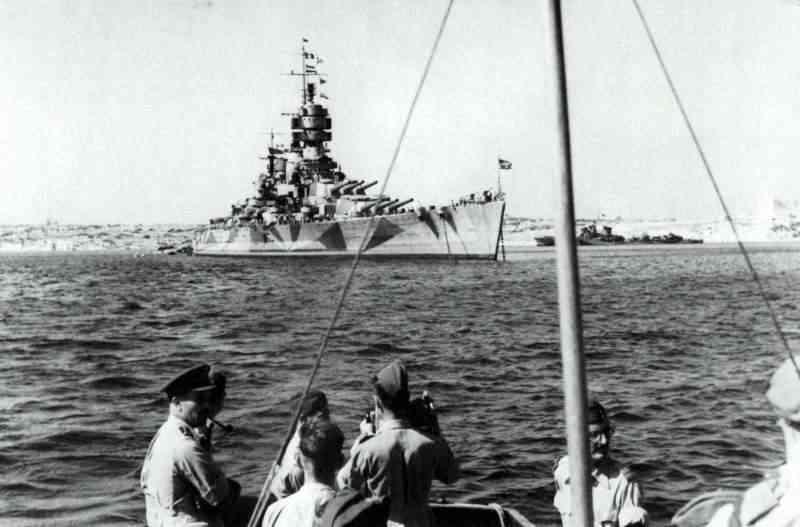 8 septembre 1943,la flotte italienne se rend aux Alliés Vittor10