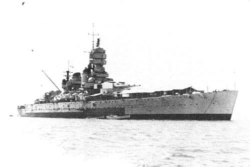 8 septembre 1943,la flotte italienne se rend aux Alliés Vittor11