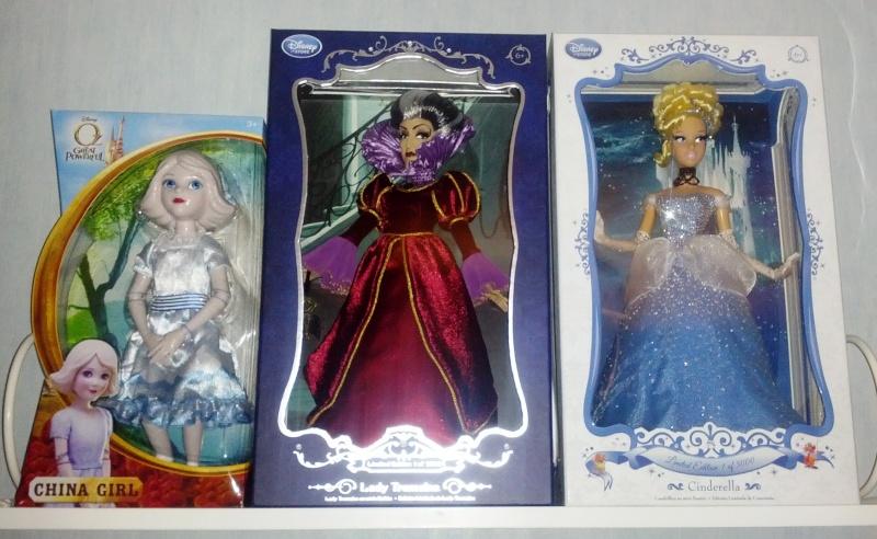 Disney Store Poupées Limited Edition 17'' (depuis 2009) - Page 38 Img_2011