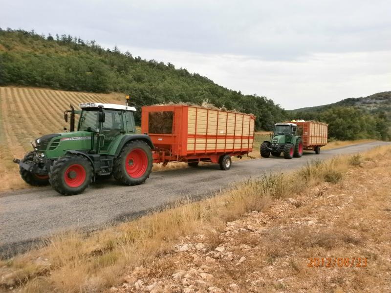 Photos de vos tracteurs - Page 3 Lavand10