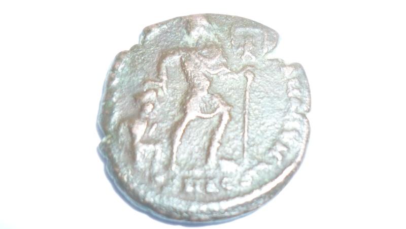 Bronze de valens pour l' Atelier d' Aquilée (368/389). P1030515