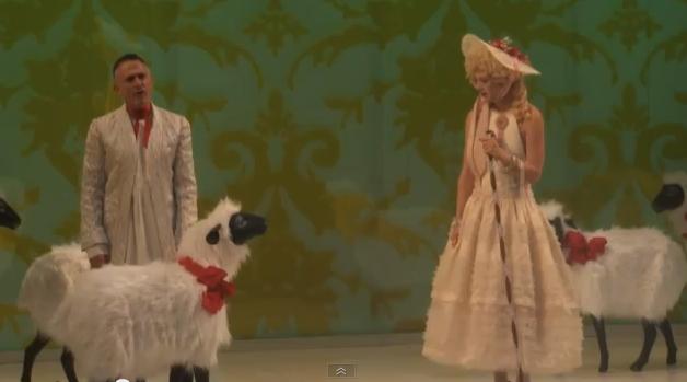 """Pièce de théâtre """"Marie-Antoinette"""" à New-York Captur26"""