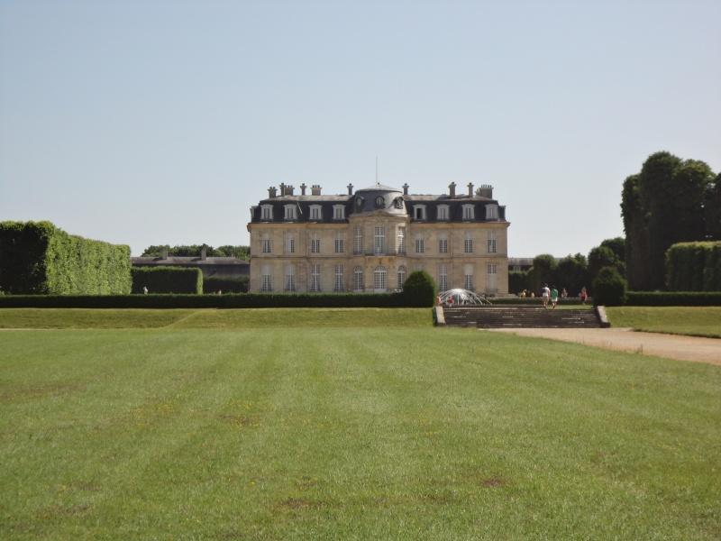 Le château de Champs sur Marne - Page 6 Dsc02413