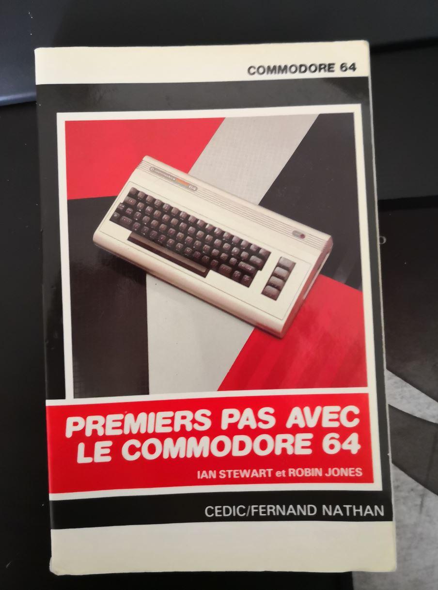 Un Commodore 128 et 64 à retaper...Un peu paumé. 00110