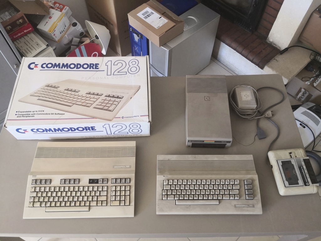 Un Commodore 128 et 64 à retaper...Un peu paumé. Img_2010