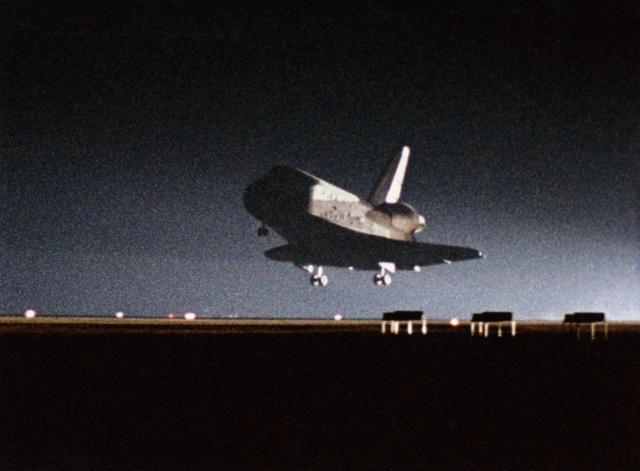 30 août 1983 - Mission STS-8 / 30ème anniversaire Sts8-110