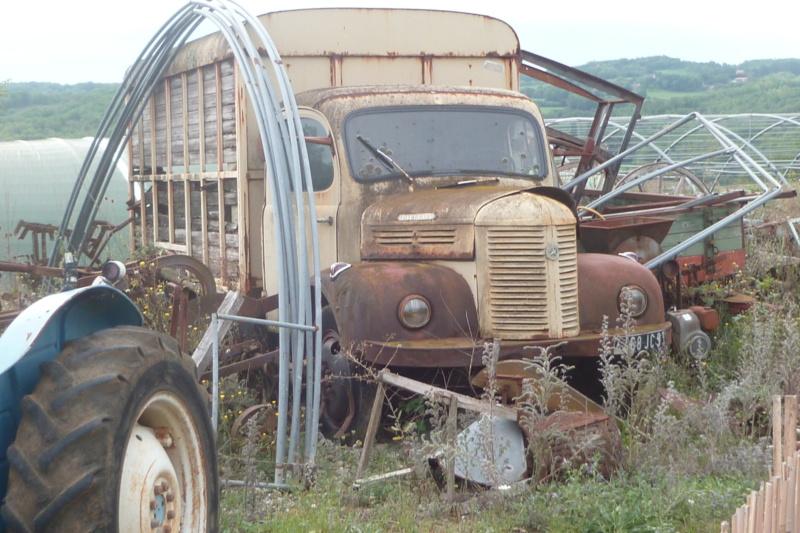 Camions en épave 05010