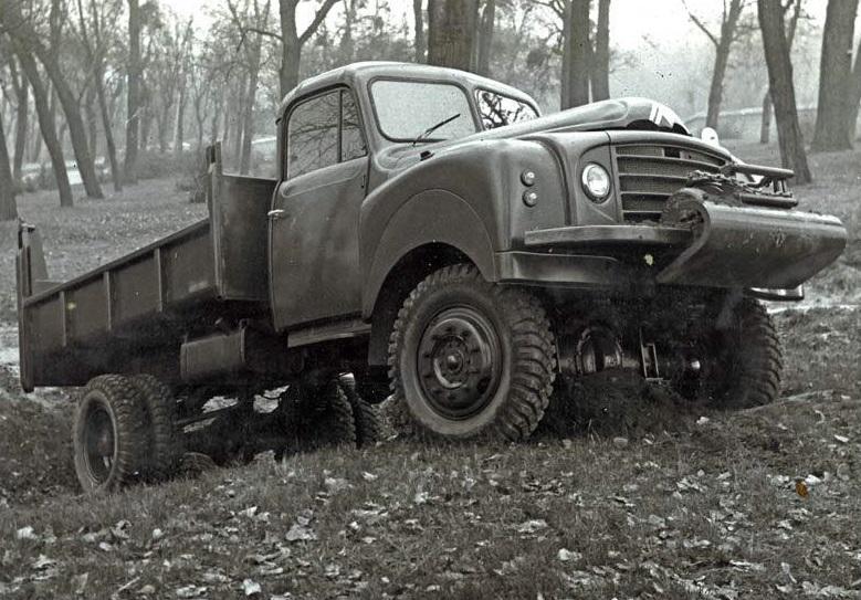 Photos d'époque de camions Citroën - Page 31 Citro223