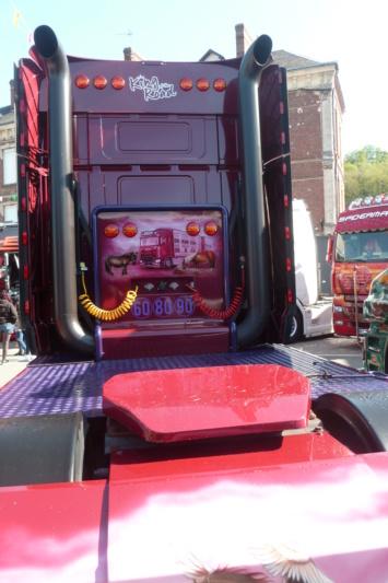 camions decorés - Page 2 Dos_312