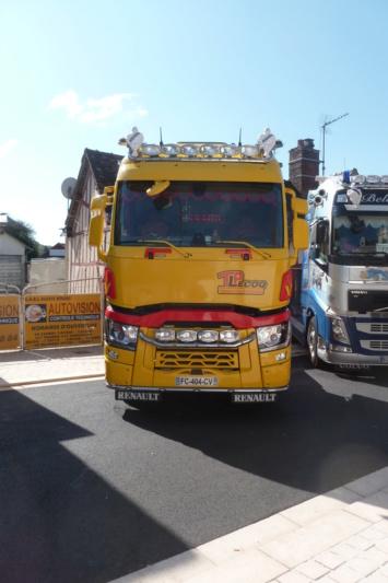 camions decorés - Page 2 Renaul70