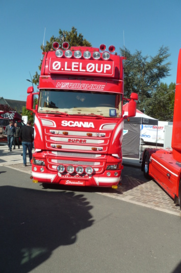 CAMIONS DECORES  - Page 3 Scania60