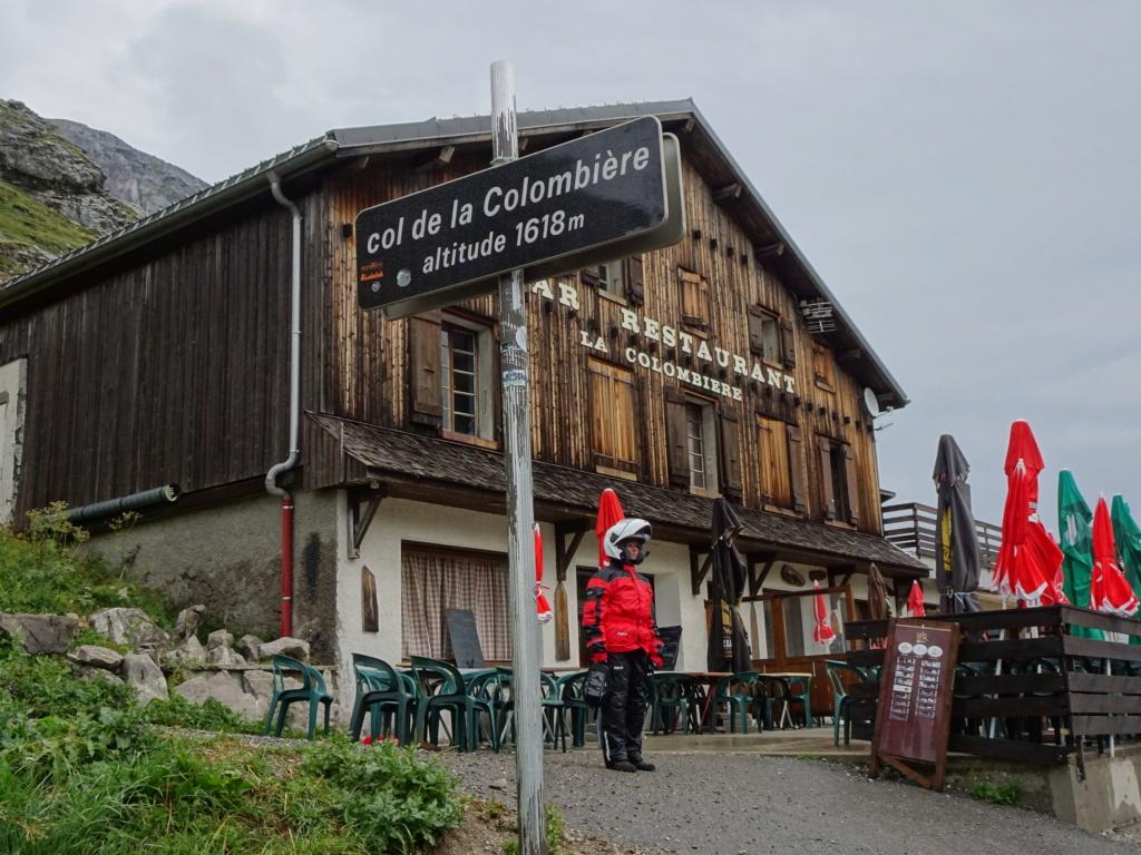 L'ours sur la Route des grandes Alpes 08-20121