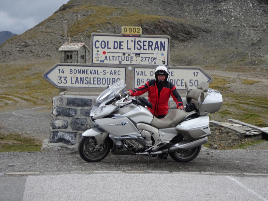 L'ours sur la Route des grandes Alpes 08-20123
