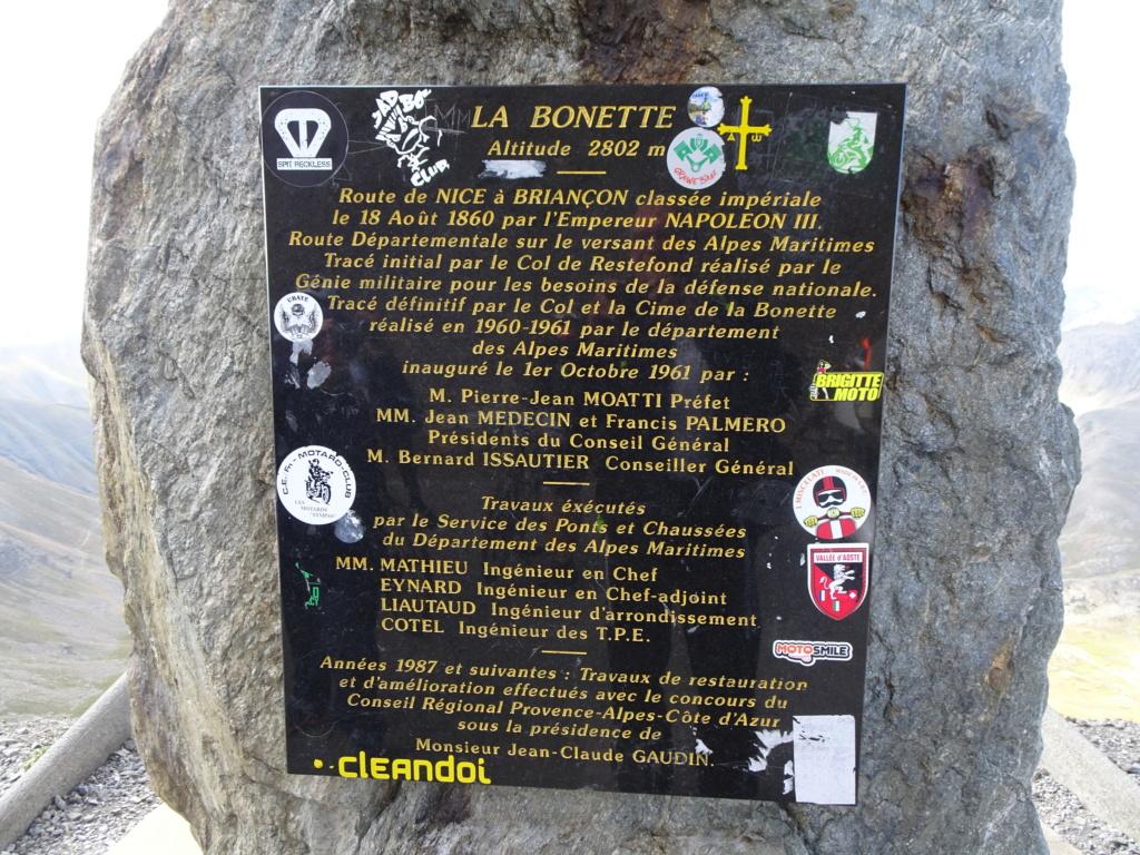 L'ours sur la Route des grandes Alpes 08-20129