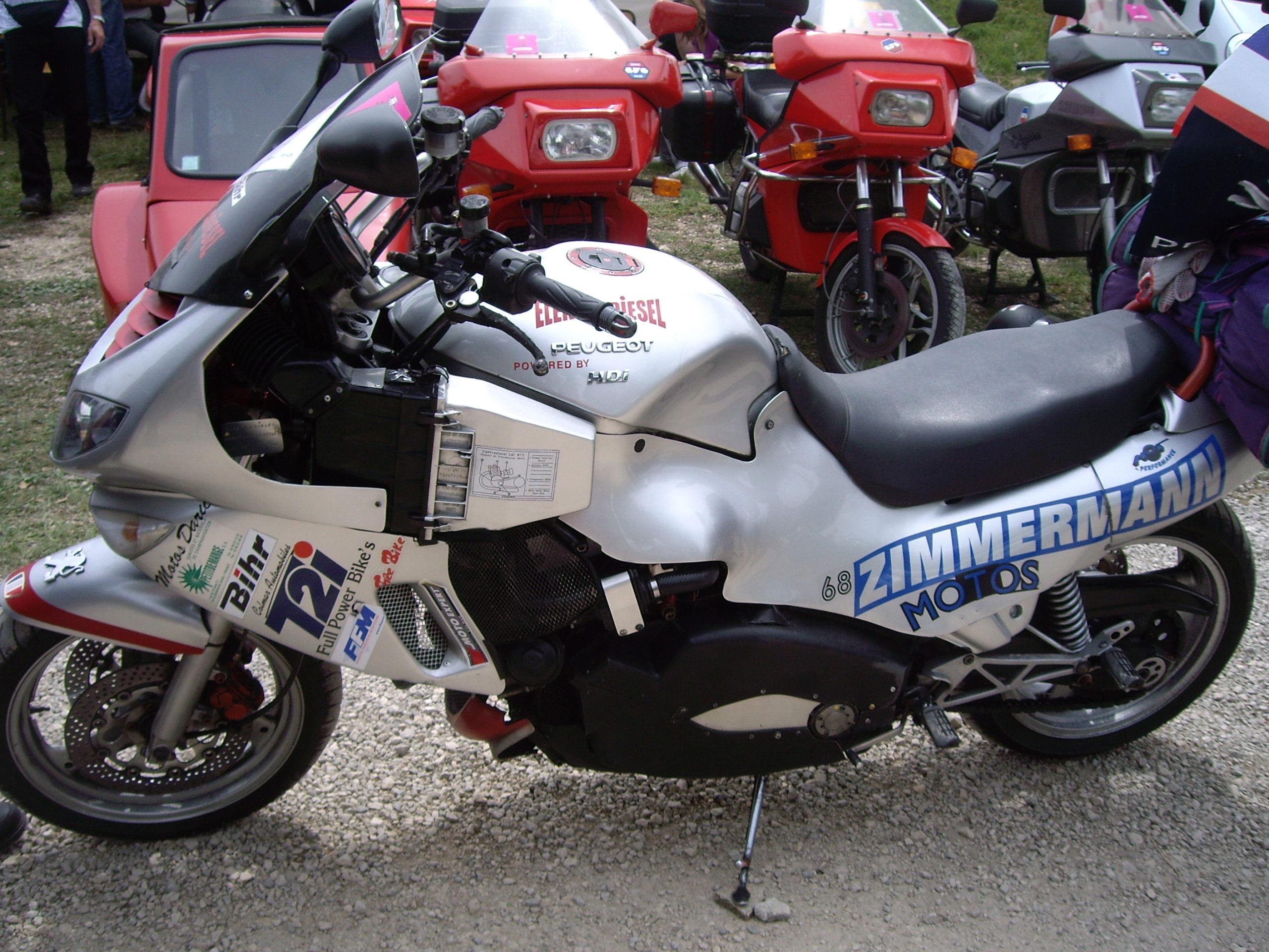 MOTO FRANCAISE MF 650 - Page 3 Moto_l10