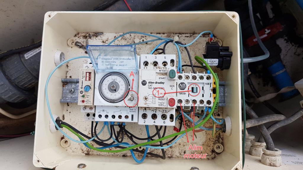 Escatop -contacteur alimentation pompe à vérifier Coffre10