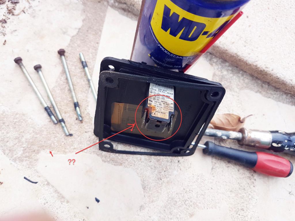 """Pompe escatop 1998 """"grésille"""" et ne tourne pas. Photo410"""