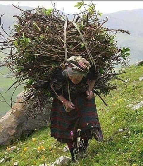 Travail des femmes à la campagne, au moyen-orient et ailleurs 2d584110