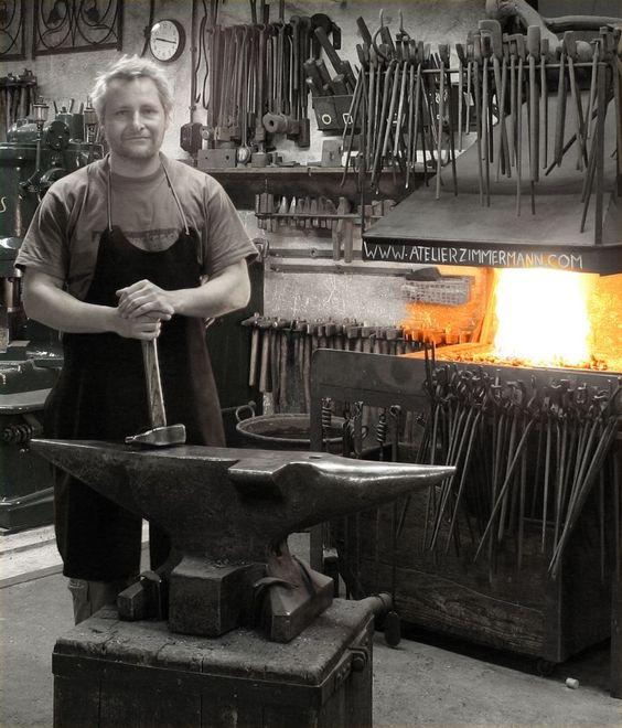 Les forges et les forgerons un métier. 677c0210