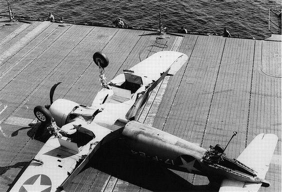 Les avions de guerre. 83d50010