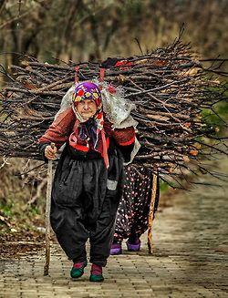 Travail des femmes à la campagne, au moyen-orient et ailleurs 9238fc10