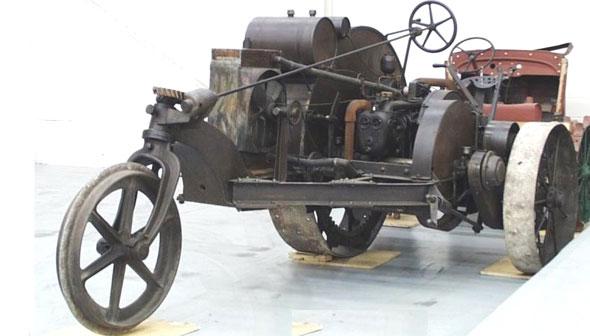 Tracteur ancien Artifa10