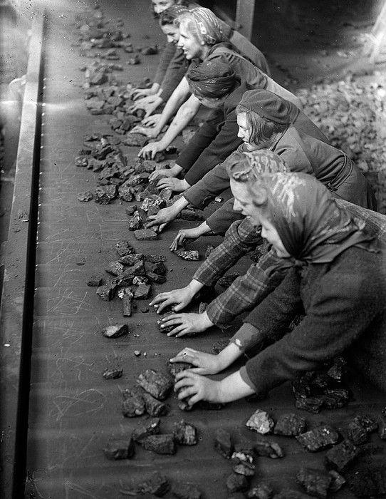 Travail des femmes dans les mines de charbon. B9dec910
