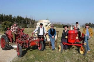 350 photos de vieux tracteurs Bureau10