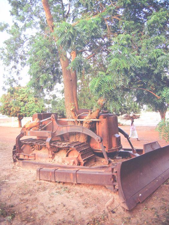 Tracteur ancien C002ea10