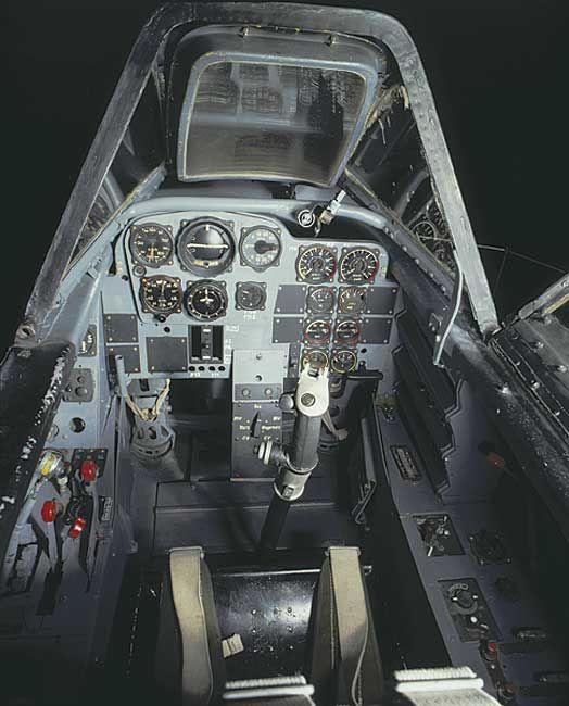 Les avions de guerre. C30c3110