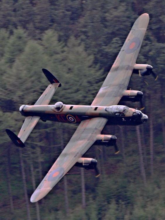 Les avions de guerre. D33b5110