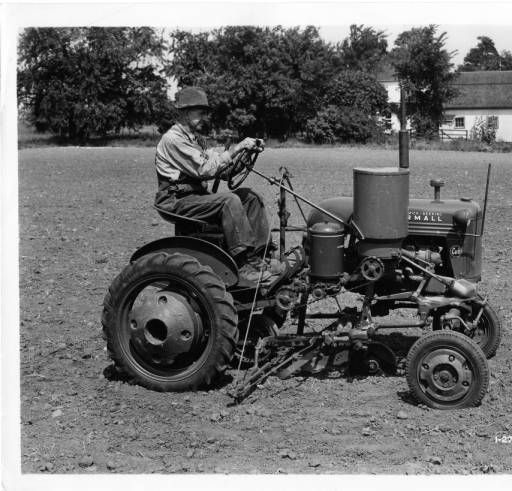 350 photos de vieux tracteurs D594f910