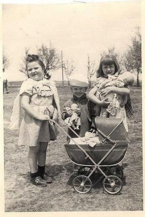 Comment les enfants s'amusaient avant dans les fermes D8199910