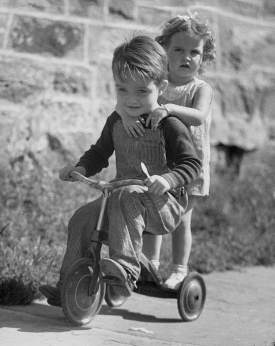 Comment les enfants s'amusaient avant dans les fermes Da54f810