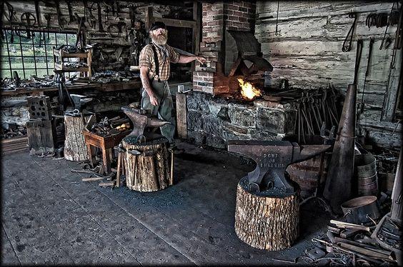 Les forges et les forgerons un métier. E11a7010