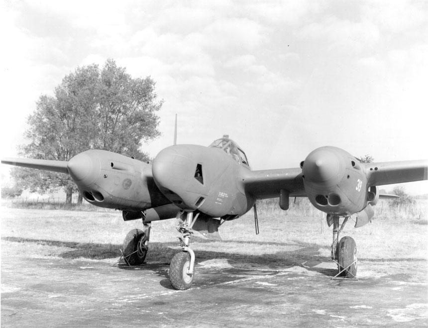 Les avions de guerre. - Page 2 F-5b10
