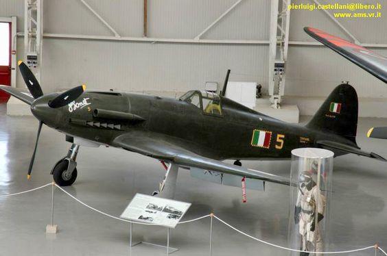 Les avions de guerre. F4476310