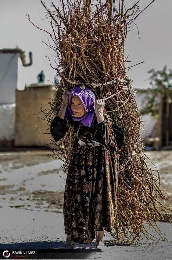 Travail des femmes à la campagne, au moyen-orient et ailleurs F57e8210