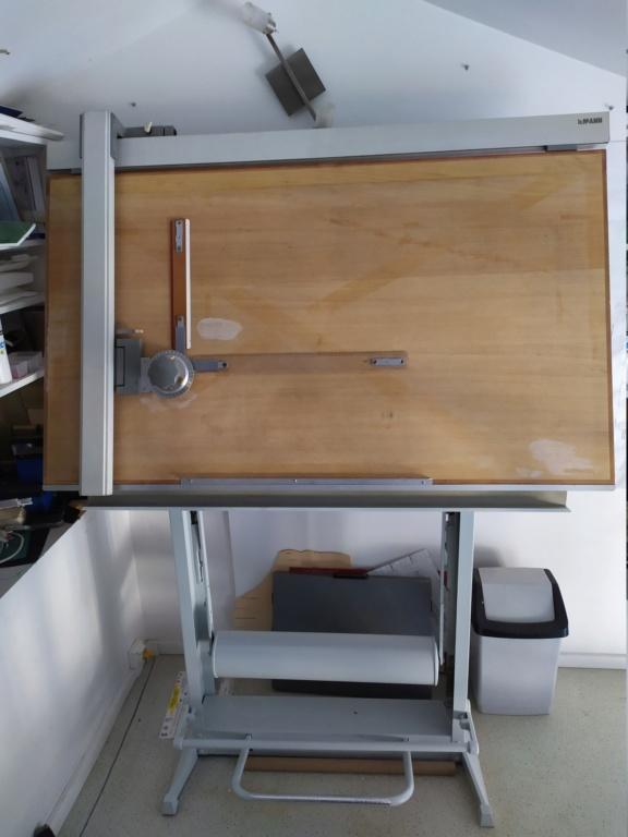 Vends table à dessin rénovée ( vendue merci ) Img_2081