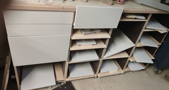 Toujours ouvrir le bon tiroir.....! Img_2116
