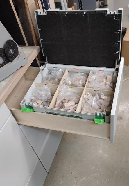Toujours ouvrir le bon tiroir.....! Img_2118