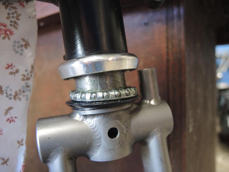 Fissures du pivot de la fourche titane de Brompton - Page 2 Dscn6018