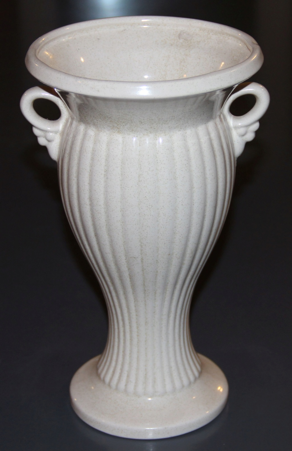 2083 Vase Img_1410
