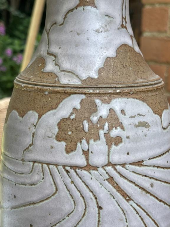 Unusual vase Art Deco pink design MH mark 795a6110