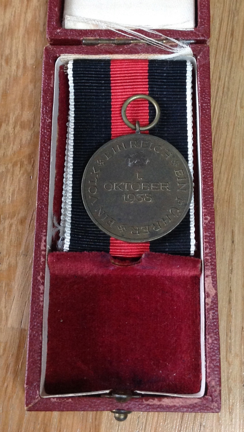 Médaille allemande et sa boîte  Img_6331