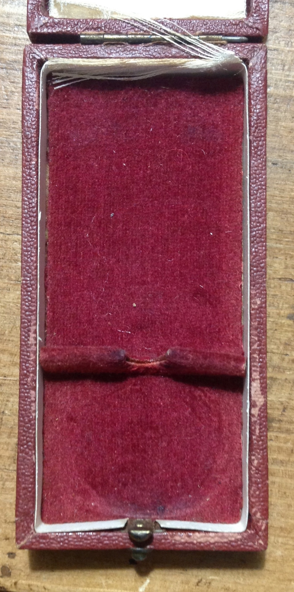 Médaille allemande et sa boîte  Img_6337