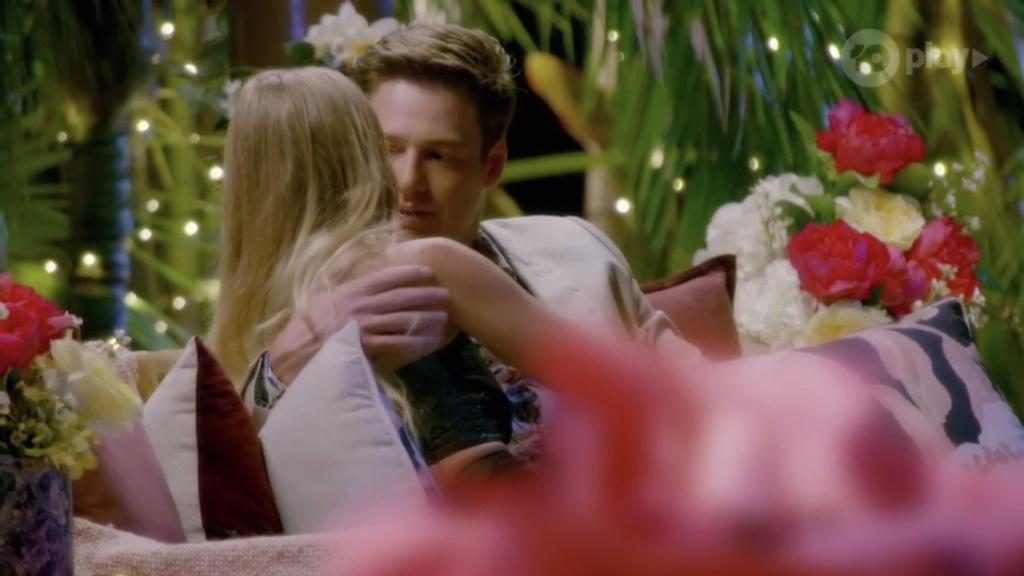 Bachelor Australia - Matt Agnew - Season 7 - Screencaps - *Sleuthing Spoilers* - Page 32 B1810110