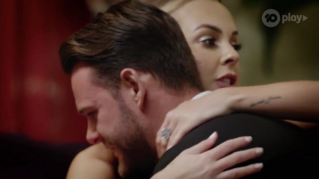 Bachelorette Australia - Angie Kent - Season 5 - ScreenCaps - *Sleuthing Spoilers* - Page 5 C82a2110