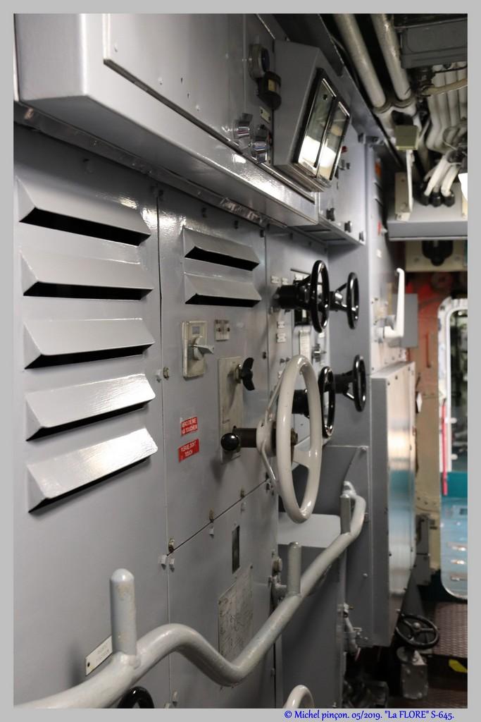 [Les Musées en rapport avec la Marine] Sous-Marin  Flore - Page 19 Dsc04680